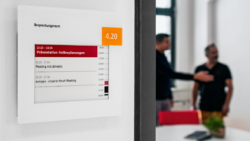 Messe Düsseldorf digitalizes the door signs in its head office and relies on kompas digital signage